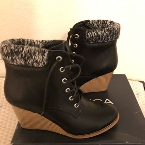 Nautica wedge lace up booties size 9